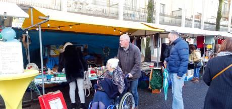 Minirokjes naast Marokkaanse hapjes op kerstmarkt Woensel-West