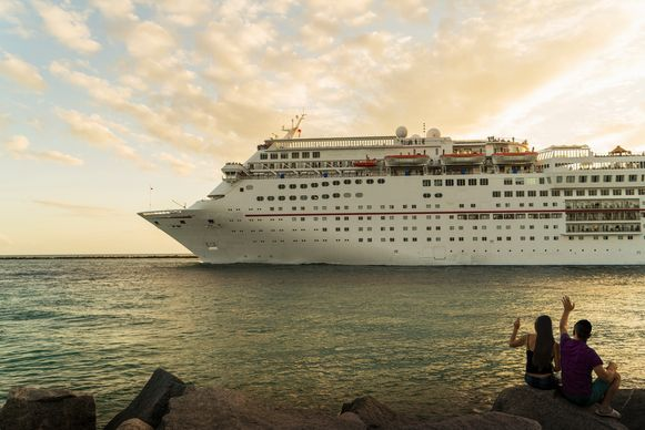 De koers van cruiseschepen wordt in goede banen geleid dankzij 24 gps-satellieten rond de aarde.