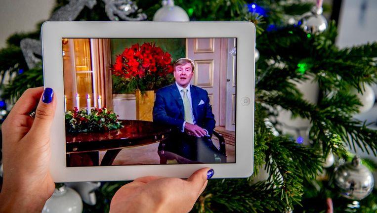 Koning Willem-Alexander houdt vanuit zijn werkpaleis Noordeinde zijn kersttoespraak. Beeld anp