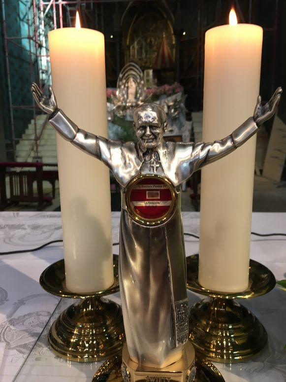 Het relikwie zal te zien zijn in de kapel van de zusters op de Frezenberg en in de kathedraal.