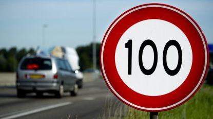 HET DEBAT. Moeten we de maximumsnelheid op Belgische snelwegen verlagen naar 100 km/uur?