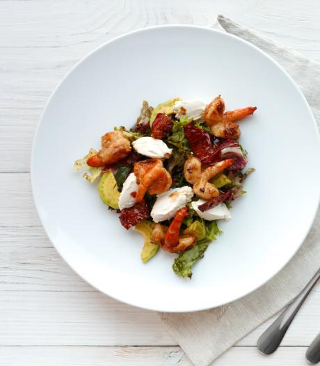 Waarom je eten beter smaakt op een wit bord