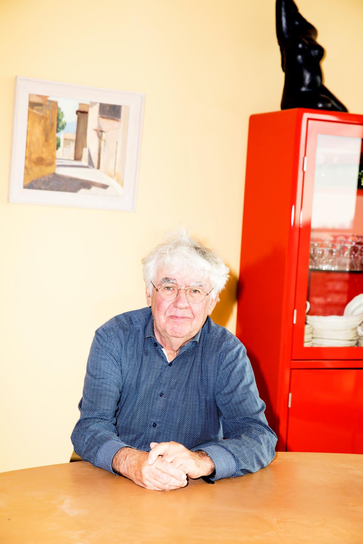 Geert Mak, thuis in Amsterdam. Beeld Marie Wanders