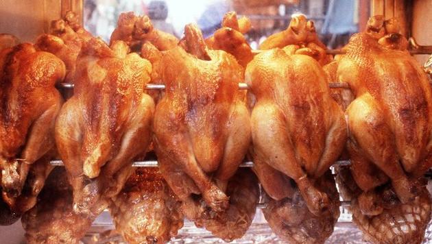 vrouw smokkelt juwelen in gebraden kip buitenland adnl