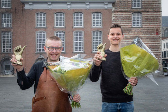 Marc Visser (l) en Arne Ruis zijn de winkel- en horecaheld van Goes.