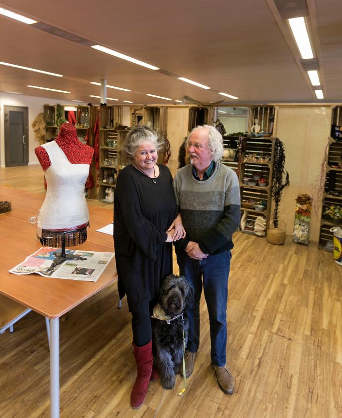 Rita Staals en Pieter Rebergen in hun creatieve honk op de Markt in Valkenswaard.