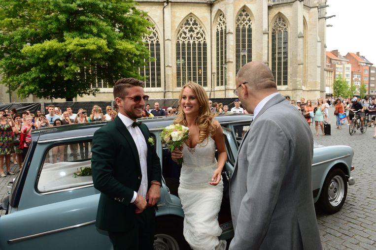 Dries en Katrin arriveerden in de oude Volvo van haar papa Jokke.