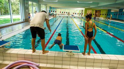 Schoolzwemmen straks vier keer duurder in Kortrijk?