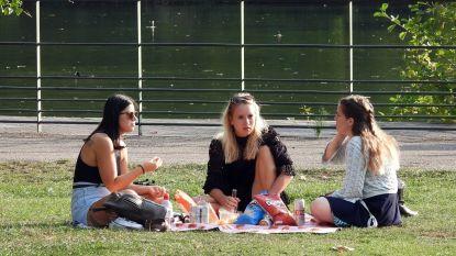 """Psychologen roepen op om sociale contacten in herfst en winter te onderhouden: """"Kom uit uw kot"""""""