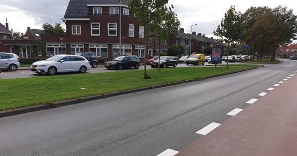 Verkeer muurvast na ongeluk op singel in Enschede.