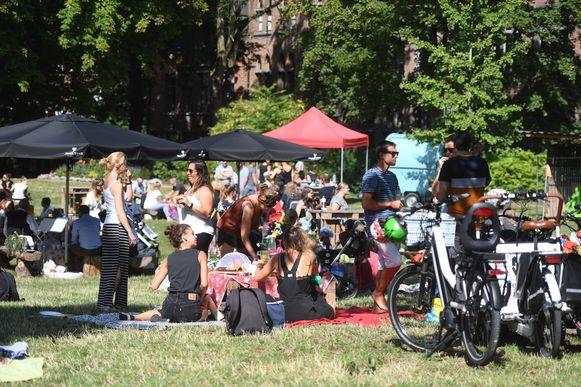 Illustratie picknick in het park in Leuven