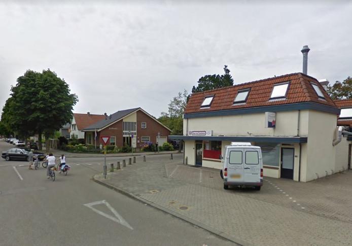 Het pand aan de St. Agnetenweg waar het illegale café gevestigd was. Rechts de voordeur. De bakkerij en het cateringbedrijf zitten er niet meer in.