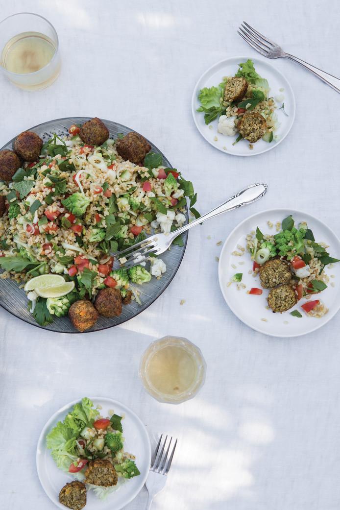 Tabouleh met bloemkool en falafel