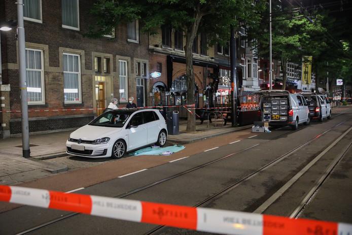 Op de Nieuwe Binnenweg is een persoon gewond geraakt bij een schietpartij.