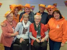 Oranje ode aan 80-jarige Renessenaren