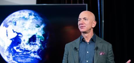 Amazonbaas doneert miljarden voor klimaat, maar z'n bedrijf vervuilt door