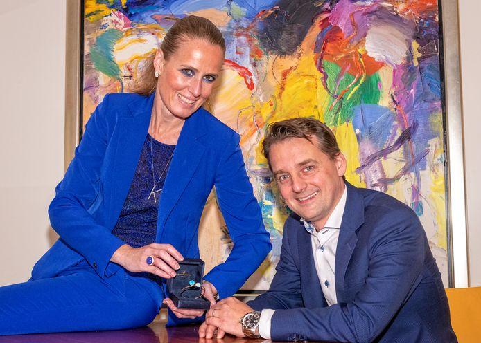 """Het einde van een tijdperk voor juweliers Bas en Karlijn van Koningsbruggen. De winkel verhuist van Zoetermeer naar Leidschendam. ,,Het wordt een stap om de stad achter mij te laten."""""""