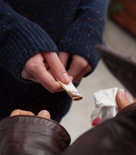 Ossenaar krijgt continu berichtjes over drugs, ook nadat hij is opgepakt met cocaïne op zak