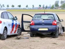 Man (25) eindigt in de cel en zonder rijbewijs na bizarre dollemansrit in Luttelgeest