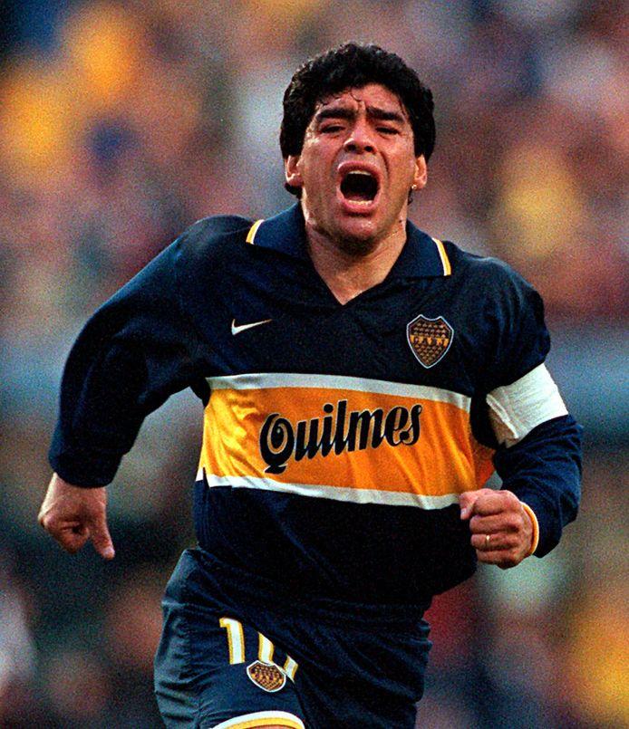 Diego Maradona sloot zijn loopbaan in 1997 af bij Boca Juniors.