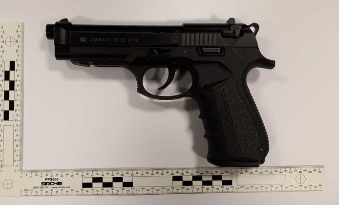Het vuurwapen dat de mannen in Winterswijk bij zich hadden.