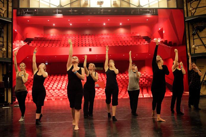 Dancegathering Flevoland in het Agora-theater in Lelystad.