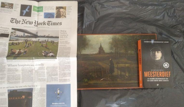 Experts gaan ervan uit dat het om foto's gaat van het authentieke schilderij.