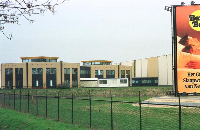 Het hoofdkantoor van Beter Bed in Uden en het distributiecentrum.