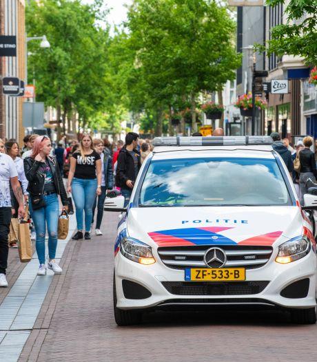 Handhavers staan op scherp in Apeldoorn. Corona-uitbraak vraagt om extra maatregelen in weekeinde