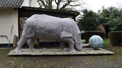 Levensgrote replica van bijna uitgestorven neushoorn kopen? Dat is dan 14.000 euro, alstublieft