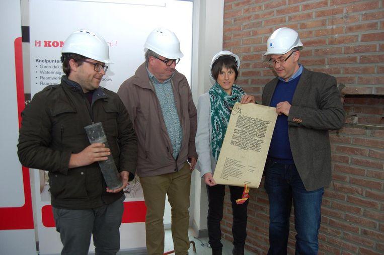 V.l.n.r.: Schepenen Willem Wevers, Joost Fillet en Veerle Van Dyck en burgemeenster Bart Seldeslachts.