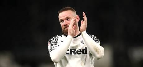 Rooney in jubileumduel trefzeker met Panenka