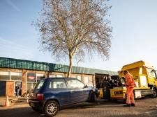 Auto's weggesleept voor bomenkap