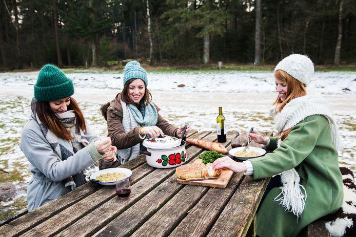 Winterkamperen: opwarmen in de tipi Dagblad van het Noorden
