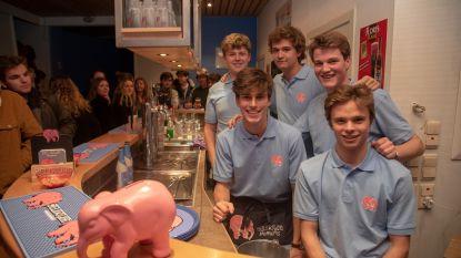 Alexander (17) opent pop-up café in pand grootvader en brouwer Jean De Laet