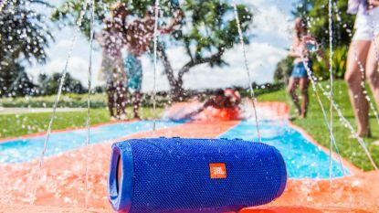 Tuin- of zwembadfeestje gepland? Dit zijn de beste draadloze speakers