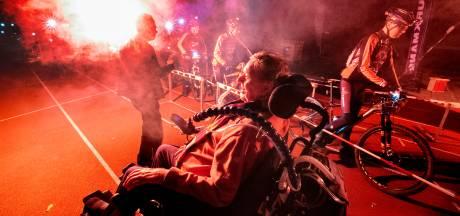 ALS het licht uit gaat, duistere fietstocht in Eindhoven voor onderzoek naar spierziekte