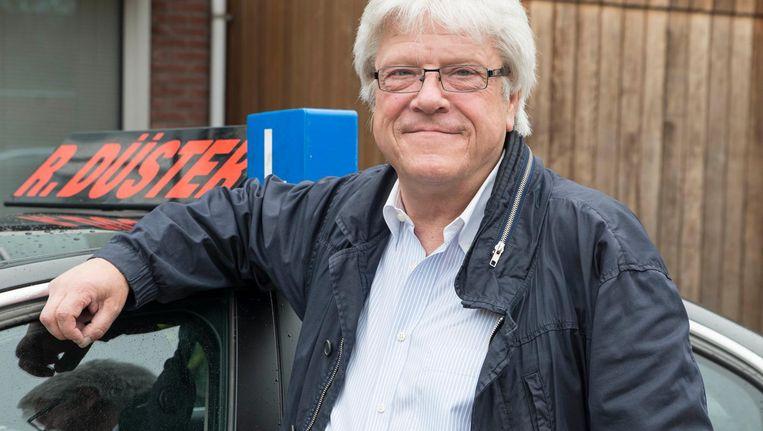 Rolf Düster: 'Lachen, beetje bluffen en altijd een praatje maken, dat zijn echte Amsterdammers' Beeld Charlotte Odijk