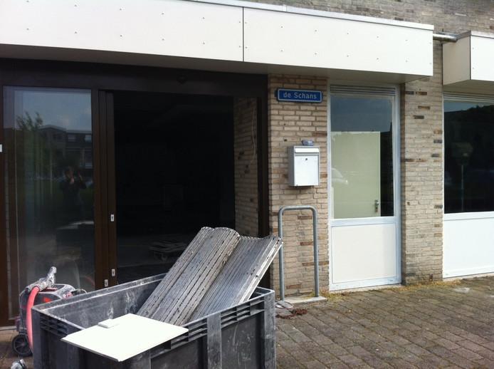 De verbouwing van de grote winkelruimte aan De Schans in Zaltbommel