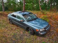 Bestuurder gewond bij botsing op N69 in Waalre, auto flink beschadigd