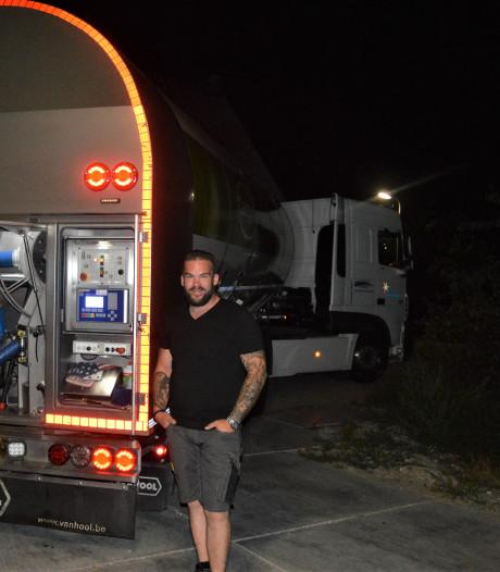Net als drie generaties voor hem rijdt Dick (32) een melkwagen: 'Met de paplepel ingegoten'