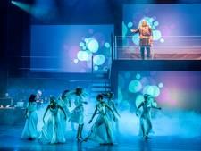 De Revue maakt Willem-Alexander en Máxima warm voor Tilburg