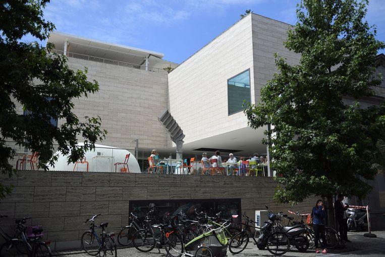 M-Museum Leuven is zelf een pareltje van architectuur in het hart van Leuven.