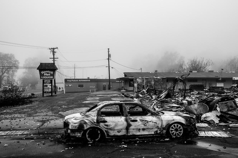 Totale staat van vernieling in Paradise City.