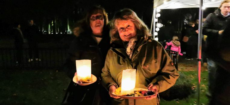 Sonja Dhondt en haar vriendin Linda Mermans.