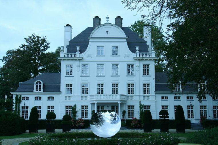 Het kasteel Mijl Eke van Marc Coucke waar de man illegaal jaagde.