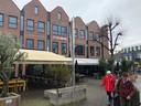 Boven grand café Floryn wachten twee etages op de afronding. Er is plek voor tien appartementen, als het parkeren geregeld is.