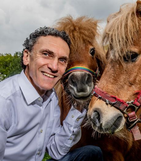 Cabaret voor en over paardenmeisjes