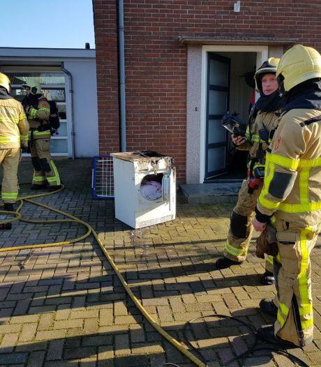 Wasdroger vliegt in brand in Lichtenvoorde