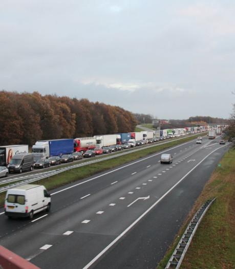 Rijkswaterstaat na dikke file op A1 en verkeersinfarct in Deventer: 'Dit was niet te voorkomen'